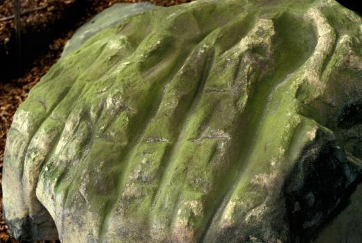 Boulder covered with groove marks. Prehistoric period. Waldbillig