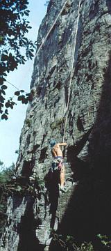 L'escalade, une des grandes attractions de la Petite-Suisse, est strictement réglementée - © 1994 by Yves Krippel
